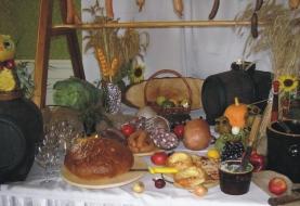 stol-beczki-z-winem_full